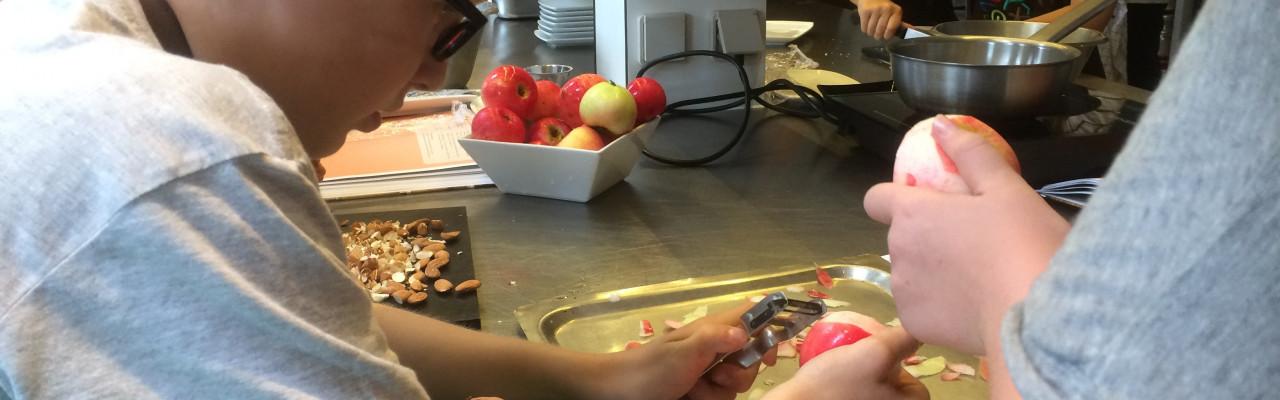 Ejerskab, viden og kompetencer om smag - fx gennem madkundskab - er vejen til sundhed, mener professor Ole G. Mouritsen. Foto: Stagbird