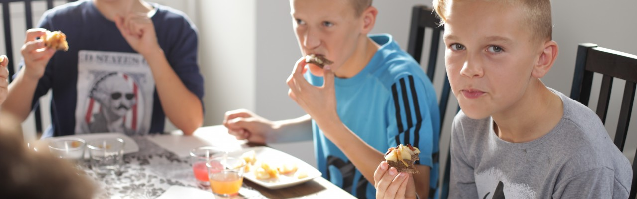 Må man dele sin frokost med sidemanden? Foto: Stagbird