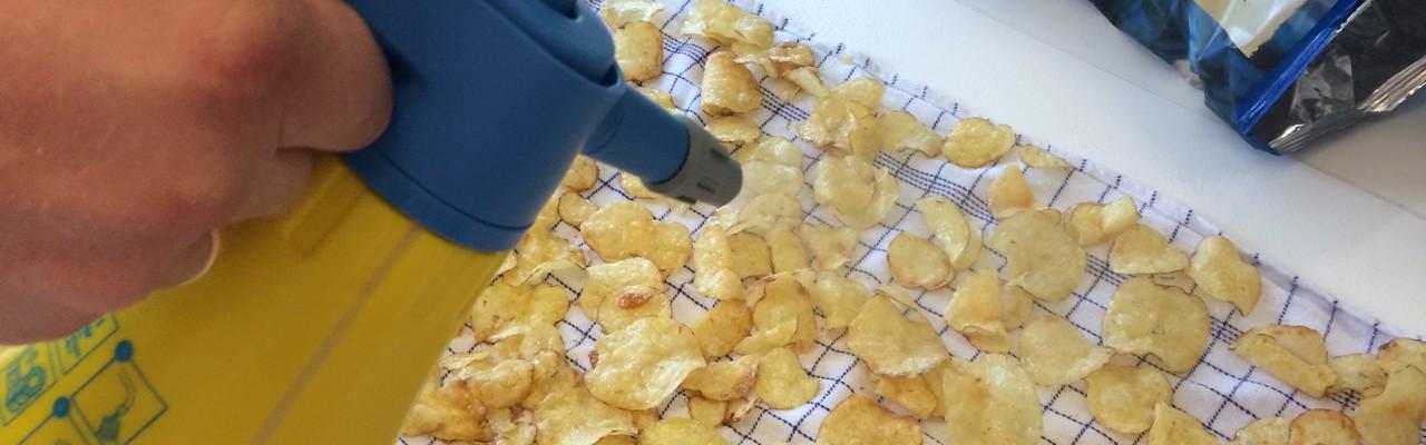 Når chips bliver bløde, forsvinder lyden - og så smager de helt forkert. Foto: Eva Rymann