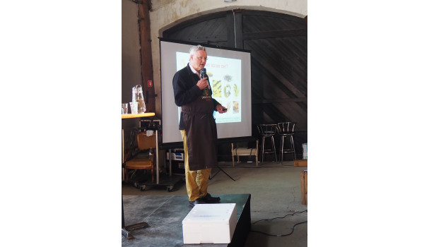 Professor Ole G. Mouritsen fortæller om tang som en af fremtidens fødevarer. Foto: Michael Bom Frøst